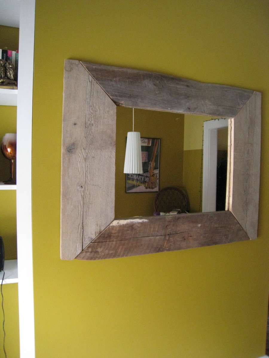 my diy mirror frame finished and mounted