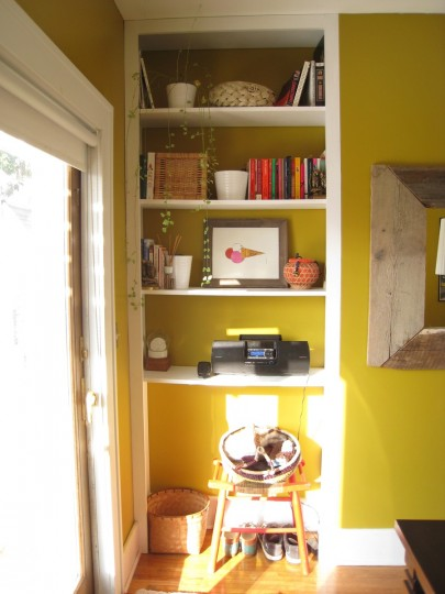 Dining room shelves, before. Notice they're starting to bow?