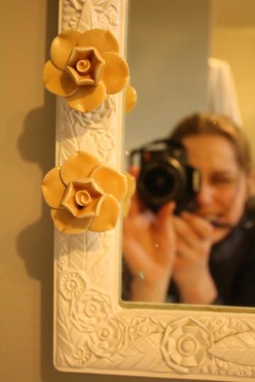 Little yellow flower knob love. From Anthropologie.