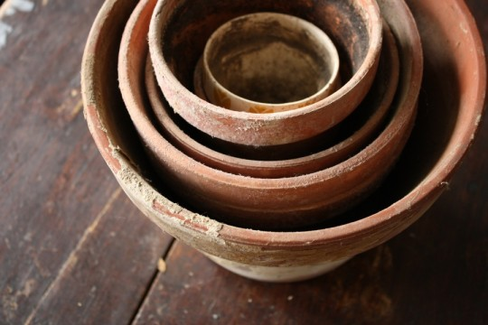 Free clay pots. Little nesting pots.