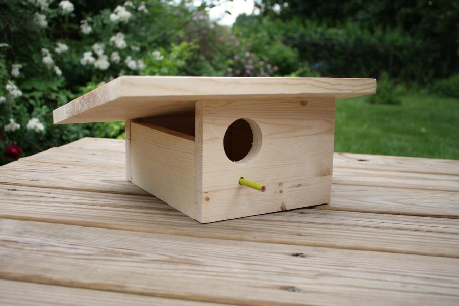 DIY mid-century modern birdhouse