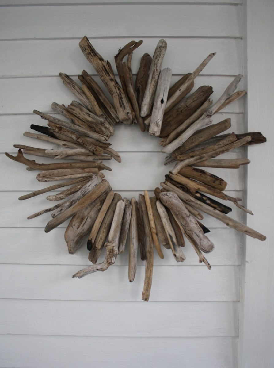 Dramatic driftwood wreath merrypad for Driftwood crafts to make