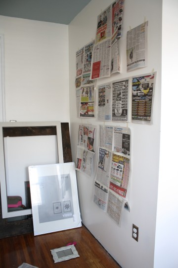 Frame templates out of newspaper help to organize your wall... and your life.