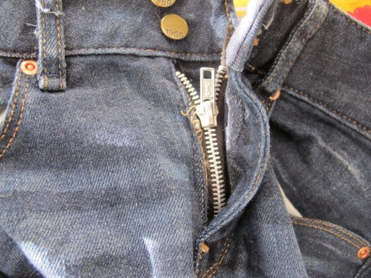 New denim zipper, perfect fit.