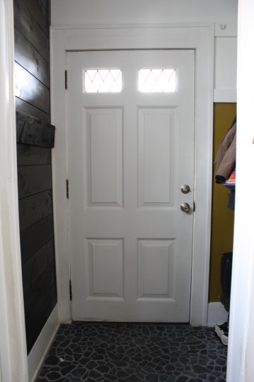 Peep-free entryway.