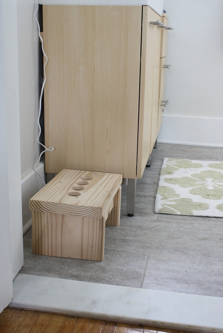 Diy bathroom step stool for kids merrypad Bathroom step stool for kids