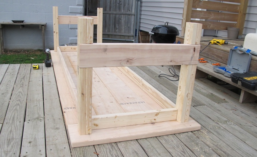 How to build a diy farmhouse wedding table merrypad watchthetrailerfo