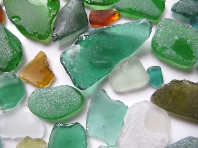 Beautiful blue-green beach glass colors.