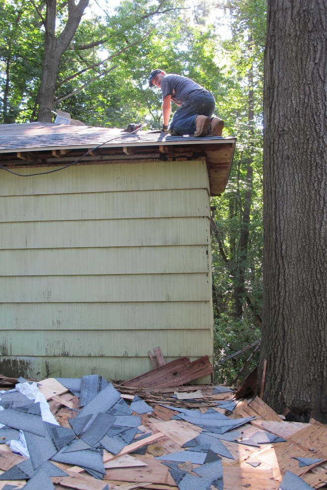Pete finished our new barn roof in <10 days.