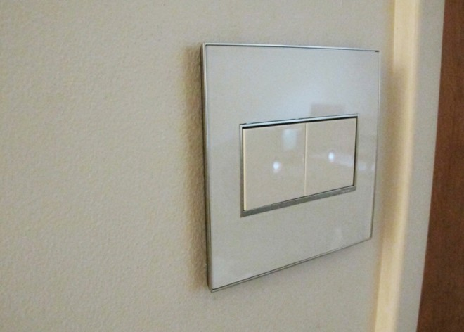 Locator status light technology by Legrand for adorne.
