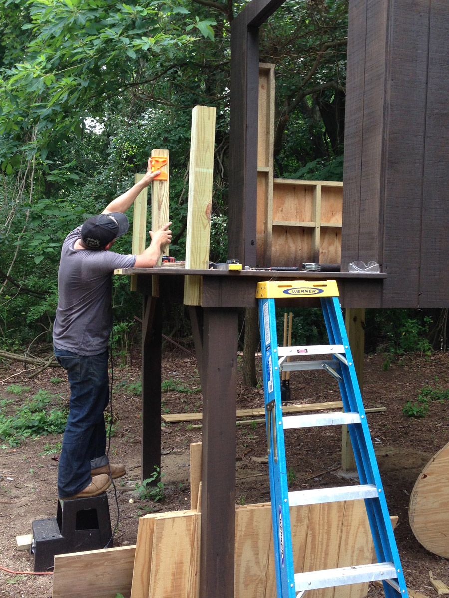 Building Our Modern Treehouse (+ Slanted Roof) | merrypad