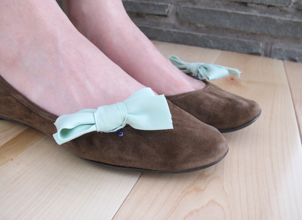 Dress up plain shoes with custom bow clips.