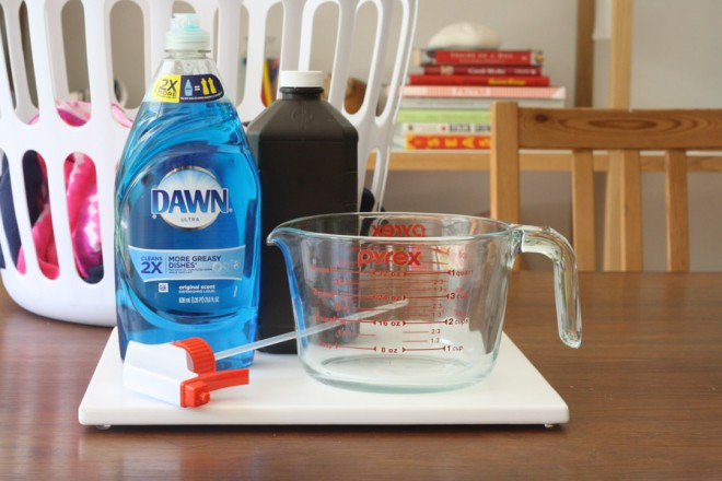 DIY laundry stain remover ingredients.