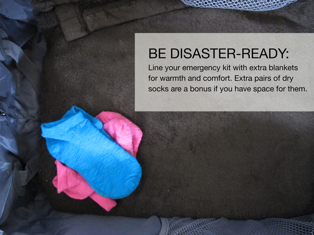 disaster_kit_2_pack_extra_blankets