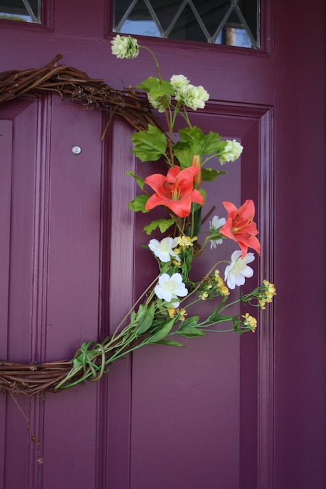 How to make a realistic faux flower wreath.
