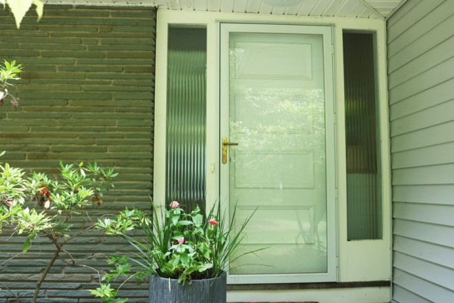 Choosing a paint color for a midcentury front door.