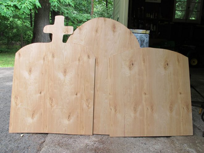 Use plywood covered in stucco to create faux tombstones to adorn your yard for the Halloween holiday.