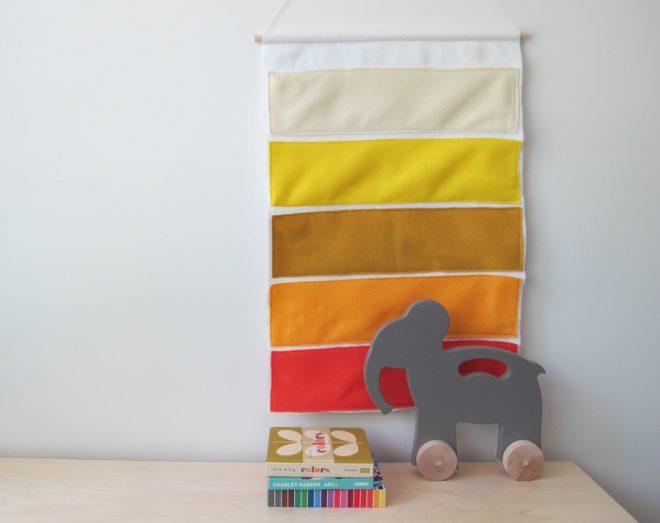 Nursery banner made of felt.