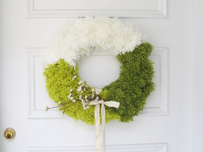 How to make a yarn pom-pom wreath (the ideas for designing and striping the wreath are unlimited).