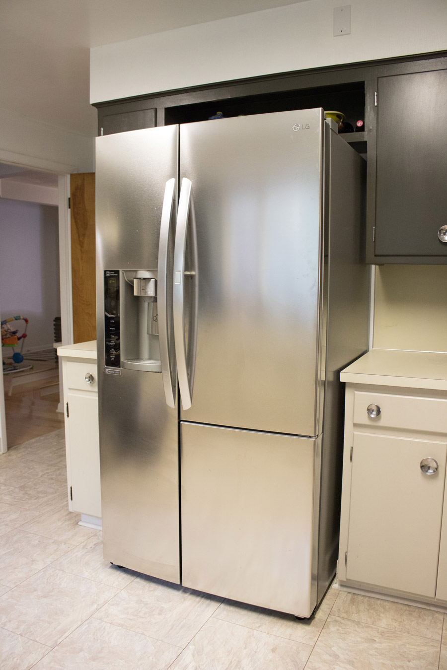A 21st Century Fridge In a 1950's Kitchen