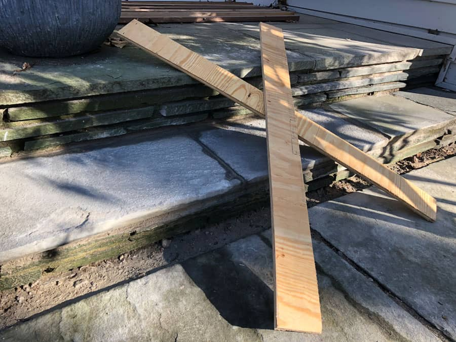 Allow mortar on flagstone steps to dry before walking on it.