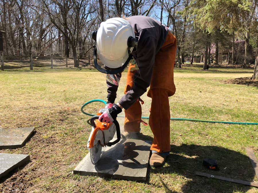 Testing the TSA 230 STIHL Cutquik® cut-off machine on flagstone.